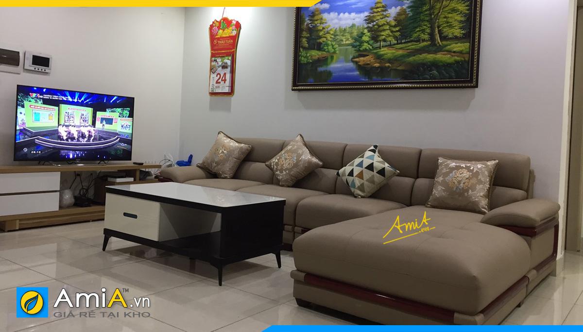 Kê ghế sofa góc giữa phòng để ngăn cách không gian phòng khách với không gian khác